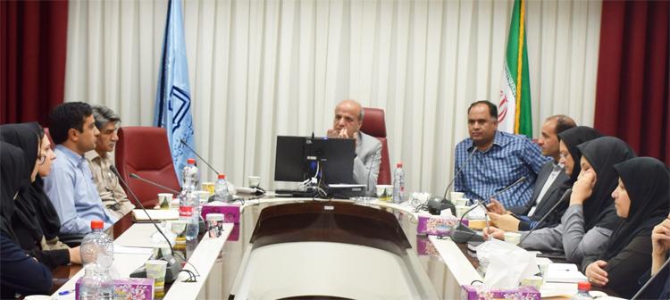 جلسه هفتگي مسئولين واحد ها و سرپرستاران